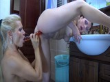 Sibylla and Hannah breathtaking anal lesbo episode