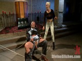 Your 10-Pounder Puts U At a Disadvantage In My BDSM area